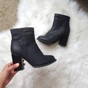 🖤SALE: price drop🖤Boutique block heel boots